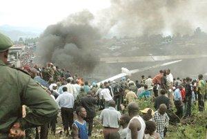La Cruz Roja informó que 113 personas resultaron lesionadas y eran tratadas en hospitales y clínicas locales.