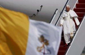 El pontífice llegó poco antes de las 16:00 hora local (20:00 GMT) a la base aérea Andrews, en las afueras de Washington.