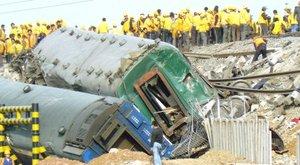 El siniestro ocurrió cuando el tren T195 procedente de Pekín y con destino a Qingdao (sede de las pruebas olímpicas de vela) descarriló en una curva a la altura de la ciudad de Zibo, en la provincia oriental de Shandong, informó la agencia oficial Xinhua.