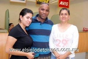 02052008 Mariam Shebeb, Jay Cordice y Martha Valerio, arribaron de Nueva York
