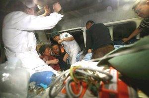 El terremoto ocurrió en una falla donde el sur de Asia choca contra la masa terrestre de Euroasia, aplastando la placa de Sichuan hacia a la región montañosa del Tíbet, cerca de las comunidades donde ocurrieron varios enfrentamientos violentos contra el gobierno chino en marzo.