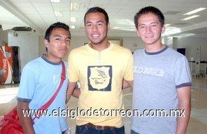 03052008 Edgar Estrada, Leonel Campo y Andrés Camarena viajaron a Tijuana.