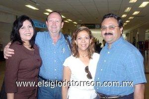 03052008 Viajaron rumbo a Tijuana, Julián Jaquez, Pilar Sánchez, Benito Cortés y Fanny Segura.
