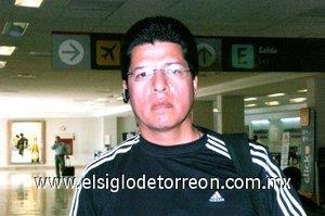04052008 Juan Pérez Ortega tomó un avión rumbo a Puerto Vallarta en Jalisco
