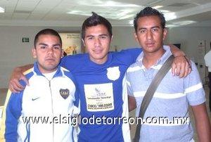 05052008 Juan Ballestra, Carlos Mojarro y Alan Liverpool, viajaron con destino a Tijuana, Baja California.