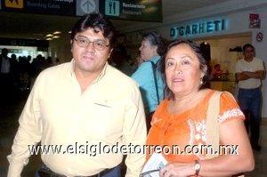 17052008 Jorge Cruz viajó a la Ciudad de México y fue despedido por Guadalupe Cavich