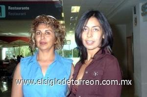 25052008 Rumbo a Guadalajara, Jalisco, se dirigieron Ángeles de Alarcón y Sandra de Muñiz