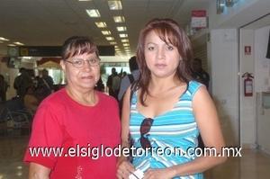 29052008 Rosalinda Domínguez realizó un viaje a Tijuana, por lo que fue despedida por Marcela