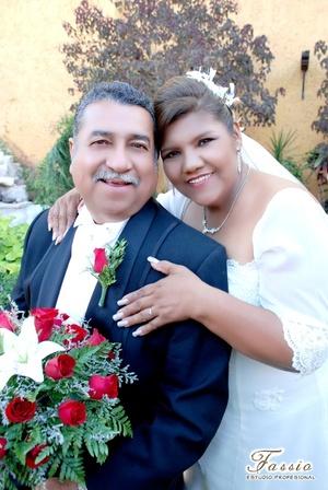 Ing. Arturo García Viera y Sra. María Teresa Muñiz Pacheco unieron su vida en sagrado matrimonio el sábado 17 de mayo de 2008.