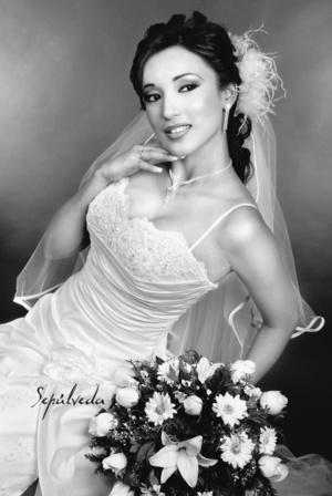 I.I.S. Yadira Berenice Medina Cerda, el día de su boda con el Ing. Miguel Ángel Hatchett García.  <p> <i>Estudio Sepúlveda</i>