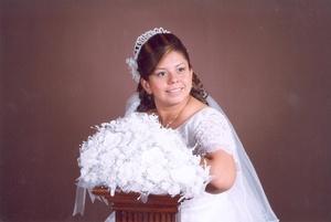 Srita. María del Carmen Martínez Vega el día de su boda con el Sr. Pedro Medina Robles