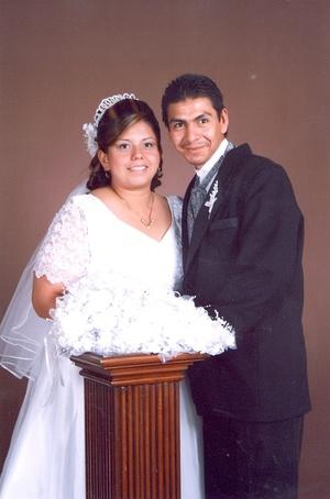Sr. Pedro Medina Robles y Srita. María del Carmen Martínez Vega unieron su vida en sagrado matrimonio en la parroquia de Nuestra Señora de Guadalupe, el sábado 19 de abril de 2008.
