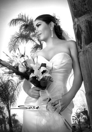 Srita. Blanca Ivonn Escamilla Martínez el día de su boda con el Ing. Emilio Gutiérrez Villanueva.  <p> <i>Studio Sosa</i>