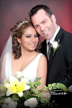 Sr. Jules D. Oille y Srita. María Irene Zúñiga G. contrajeron matrimonio en la parroquia de La Inmaculada Concepción, el sábado 17 de mayo de 2008. <p> <i>Studio Sosa.</i>