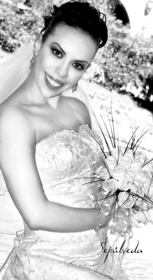 Srita. Emma Yolanda Medellín Canales unió su vida en sagrado matrimonio a la del Sr. Luis Antonio Hernández Martínez.  <p> <i>Estudio Sepúlveda</i>