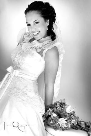 Srita. Martha Manuela Benavente Núñez unió su vida en sagrado matrimonio a la del Sr. Francisco Eduardo Hernández Martínez.  <p> <i>Estudio Laura Grageda</i>