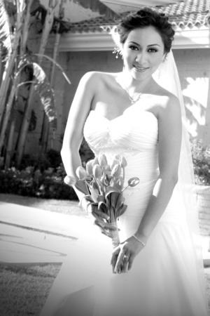 Srita. Leticia Adriana Castro Hernández unió su vida en matrimonio a la del Sr. Jorge Alberto Vega de la Torre. <p> <i>Estudio Letticia.</i>