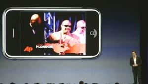 La participación de Apple en el mercado de teléfonos celulares había sido afectada por las quejas sobre la velocidad de intercambio de datos del viejo iPhone, que tiene un año de antigüedad.