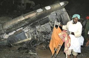 El director de la Policía del Aeropuerto de Jartum, Mohamed Ozman Mohamed Nur, explicó a Al Yazira que el avión, un Airbus, aterrizó sin contratiempos, y que después de 10 minutos estalló uno de sus motores que originó un incendió, que rápidamente se extendió a toda la aeronave.