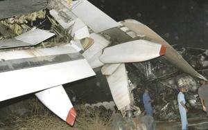 La gran mayoría de los pasajeros pudo salir del aparato por sus propios medios antes del que el incendio se extendiera por todo el avión.