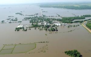 Los casi 50 habitantes de Meyer fueron evacuados y se calcula que las aguas cubrirán unos 125 kilómetros cuadrados de tierras cultivadas.