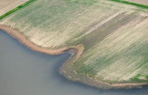 El aumento del río Mississippi amenaza ciudades en Illinois y Missouri.