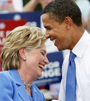 Un día después de presentar a Obama a algunos de sus más poderosos partidarios financieros, Clinton alentó a sus seguidores a sumarse a los de su otrora rival.
