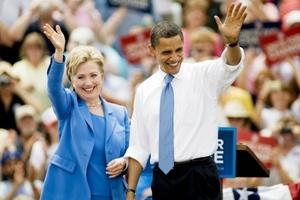 Los antiguos adversarios Barack Obama y Hillary Rodham Clinton se unieron en su primer acto conjunto de campaña, con el objetivo de sanar así las heridas causadas por su dura batalla por la candidatura demócrata a la presidencia.