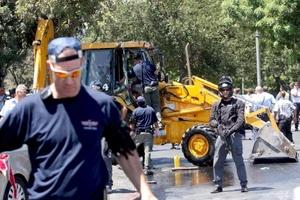 El ataque fue una escalofriante imitación de un incidente similar ocurrido a comienzos del mes, cuando un conductor palestino al comando de una excavadora arrolló vehículos y peatones en una concurrida calle de Jerusalén.