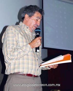 Dr. Martín de la Rosa Medellín.