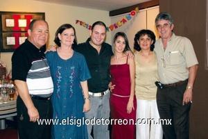Mario Cruz Morales, Conchita García de Alba, Mario Cruz, Tete Domínguez, Esther de Domínguez y Mario Domínguez.