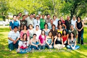 <b>Reunión del recuerdo</b><p> Ex alumnos del Colegio Americano de Torreón, generación '94