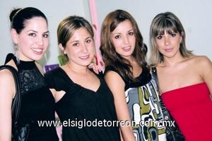 <b>Inauguran guardería</b><p> Gaby Robles de Garza, Ana Caro Madero, Ana Echávez de Murguía y Pamela Rodríguez.