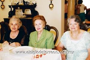Imelda de de la Garza, Alicia de Villarreal y Conchita de Cantú.