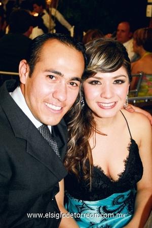 Gerardo Torres y Gaby Pinto.