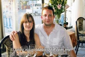 Antonio Burillo y Patricia Cerón de Burillo.