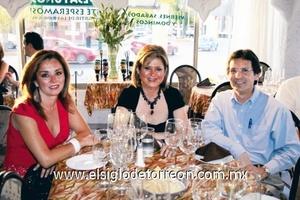 Claudia Cepeda, Paulina Kaim y Aldo Sandoval.