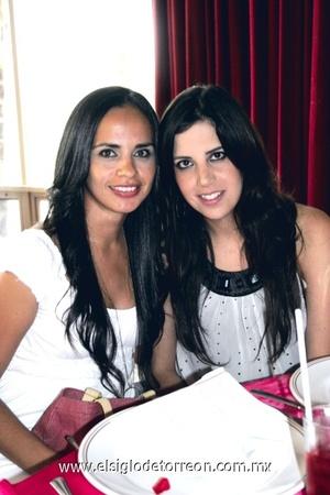 Angélica Valenzuela y Luly Gallegos.