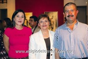 Mónica Bernal de Martínez, Claudia Máynez y Horacio Carreón.