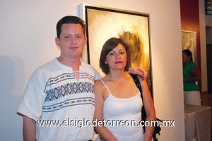 Karina Carrasco y César Atiyen.