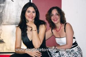 """<b>Quieren """"ocultar la realidad""""</b><p> Olga Chorro y Ana Fuentes."""