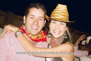 Armando y Gaby Barrón.