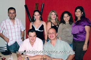 Ricardo San Miguel, Melisa Tosta, Cristiane Castillo, Marcela Tosta, Carolina Bravo, Alberto Torres y Luis Aguirre.