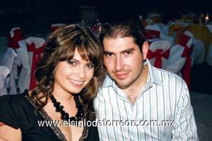 Laura Abraham y Oscar Navarrete.