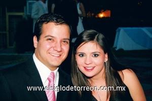 Carlos George Villalobos y Pamela W. de Villalobos.