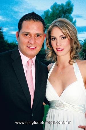 <b>Unidos por el civil</b><p> Gustavo Mendoza y Brenda Arriaga.
