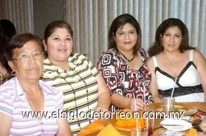 01082008 Nadia Esparza, Nancy Esparza, Mary Paz Álvarez y Amparo Quezada