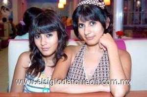 02082008 Gabriela Elizabeth y Tania Carolina Hernández