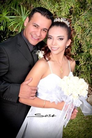 Ing. Gerardo Antonio Galindo Cabrera e I.I.S. Rosa Isela García Ayala contrajeron matrimonio civil el sábado 12 de julio de 2008.  <p> <i>Studio Sosa</i>