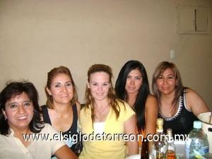03082008 Carmen con sus amigas Lina Medina, Ximena Martínez, Mónica Cervantes y Evelia Moreno.